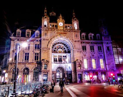 Antwerpen-Centraal: la catedral de trenes
