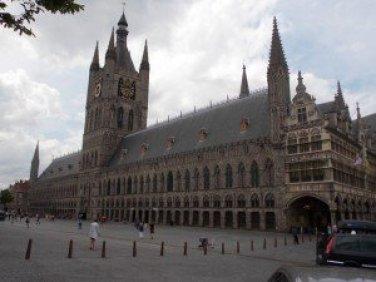 La Grotte Markt de Ypres: preciosa Excursiones con historia: Ypres - DSCN6120 300x225 - Excursiones con historia: Ypres