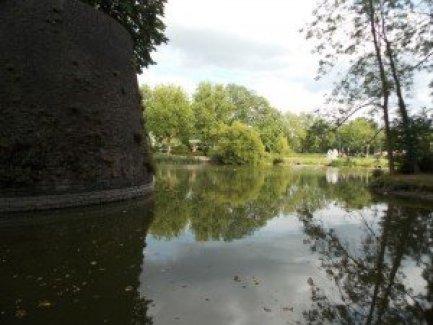 Estas son las vistas que podemos tener desde las murallas de Ypres Excursiones con historia: Ypres - DSCN6156 300x225 - Excursiones con historia: Ypres