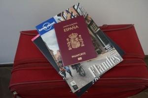 Documentos que no pueden faltar en toda maleta ¿Viajas con maletas o con cajas? - 2 300x200 - ¿Viajas con maletas o con cajas?