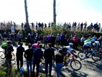 Ronde Van Vlaanderen (4) Ronde Van Vlaanderen, una carrera de 100 - Ronde Van Vlaanderen 4 300x225 - Ronde Van Vlaanderen, una carrera de 100