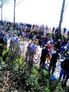 Ronde Van Vlaanderen (5) Ronde Van Vlaanderen, una carrera de 100 - Ronde Van Vlaanderen 5 225x300 - Ronde Van Vlaanderen, una carrera de 100