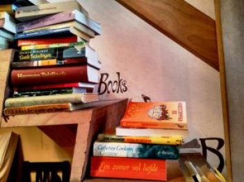IMG_20160524_140850 Una taza de chocolate por un libro en Huize Colette - IMG 20160524 140850 300x225 - Una taza de chocolate por un libro en Huize Colette