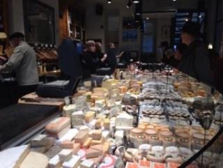 quesos1 Pan, queso y vino en Kaasambacht Elsen. - quesos1 300x225 - Pan, queso y vino en Kaasambacht Elsen.