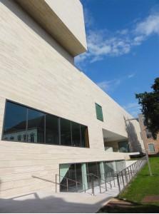 Paseo por Lovaina (parte 1) - museo ARTE 223x300 - Paseo por Lovaina (parte 1)