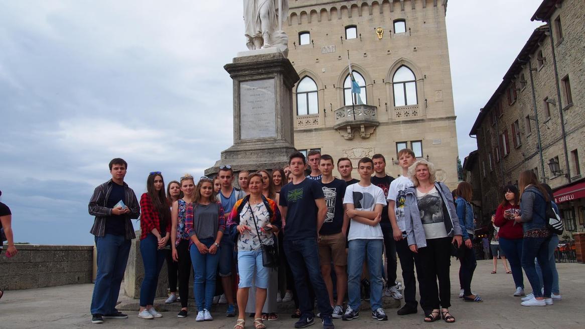 Nasza grupa na Placu Wolności