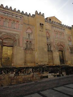 Wallada Al-Mustakfi
