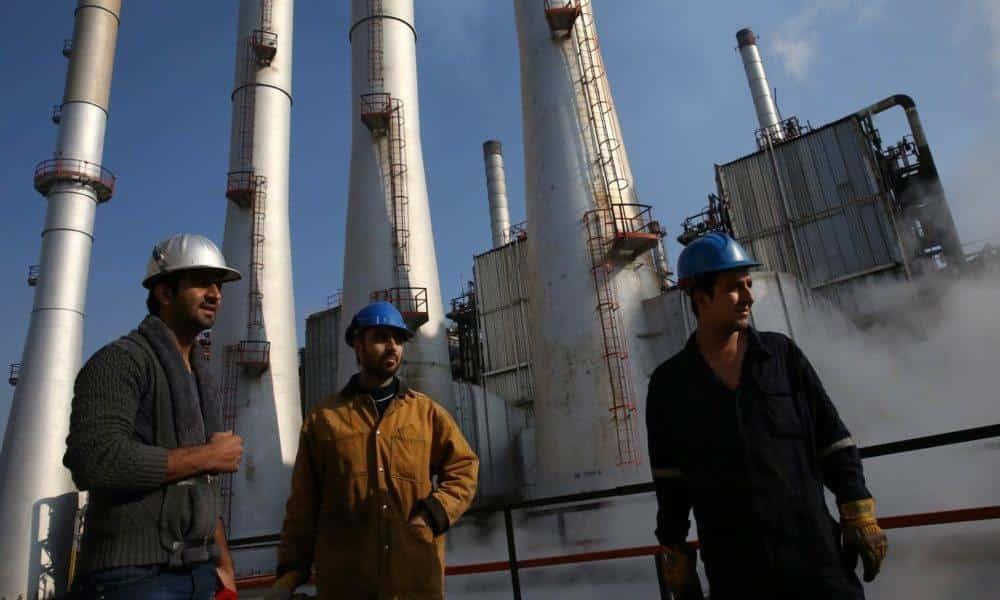 Ιστορικό κύμα απεργιών των εργαζομένων στο Ιράν