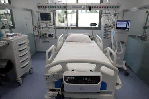 Πως θα αποζημιώνονται γιατροί και ιδιωτικές κλινικές αν νοσηλεύουν ασθενείς από το ΕΣΥ λόγω covid-19