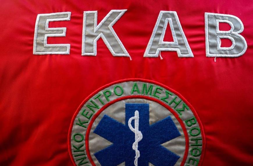 Διασώστες ΕΚΑΒ: Δεν μας έχουν κάνει κανένα τεστ – Δεν έχουμε συνεργείο απολύμανσης για τα ασθενοφόρα