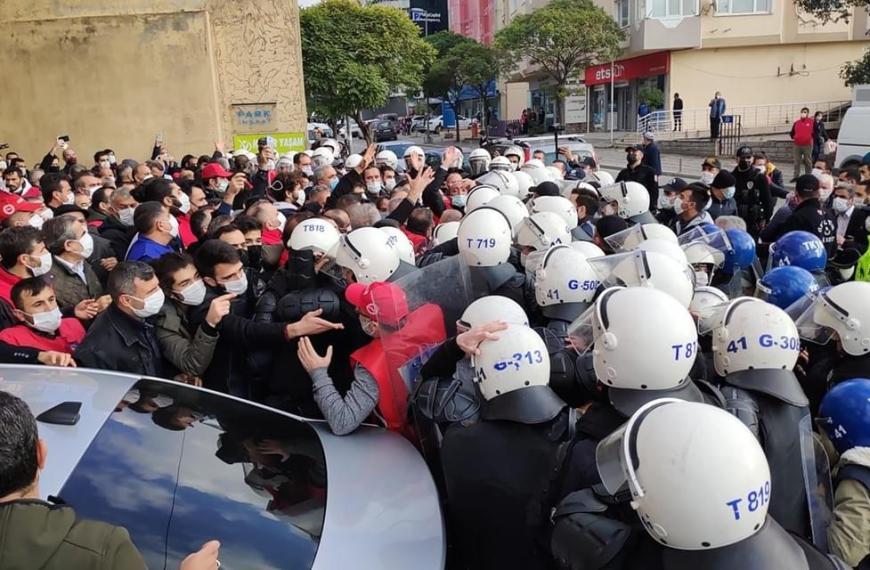 Η καταπίεση των συνδικαλιστικών μελών στην Τουρκία πρέπει να σταματήσει!