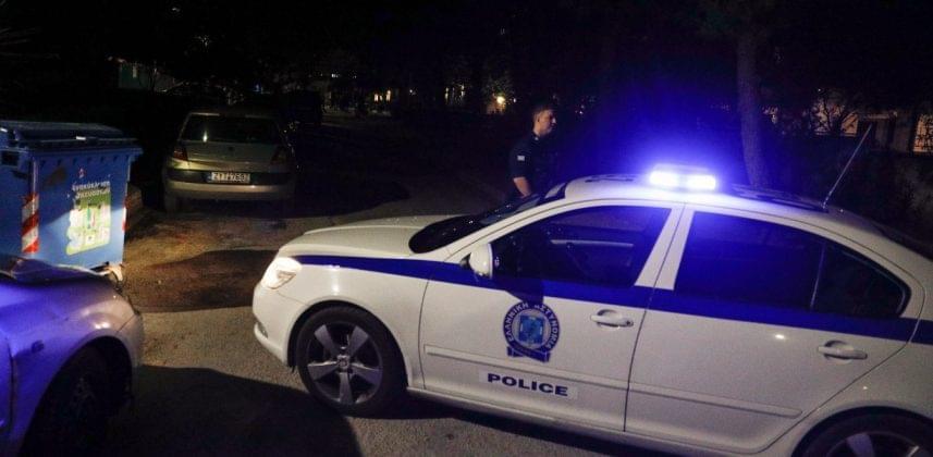 Δήμαρχος έστειλε την αστυνομία σε σπίτι εργαζόμενου που ζήτησε αναρρωτική