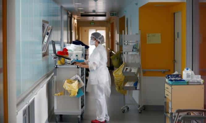 Σε μετωπική σύγκρουση, κυβέρνηση και γιατροί