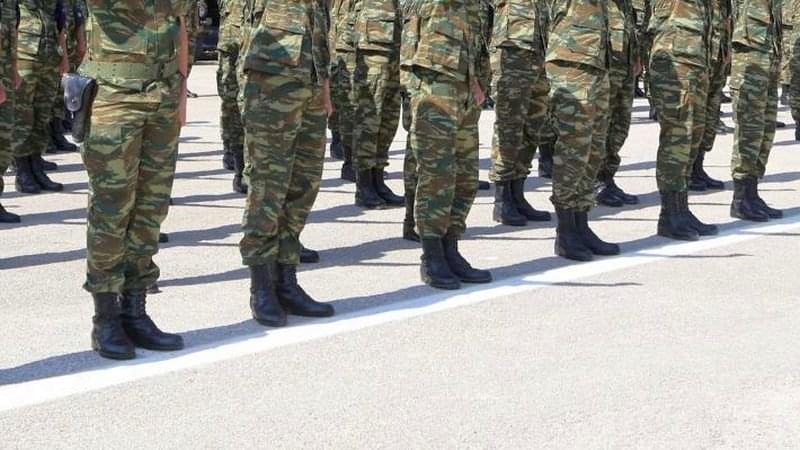Ο Χατζηδάκης «επιστρατεύει» τον… Στρατό για την απονομή των συντάξεων!