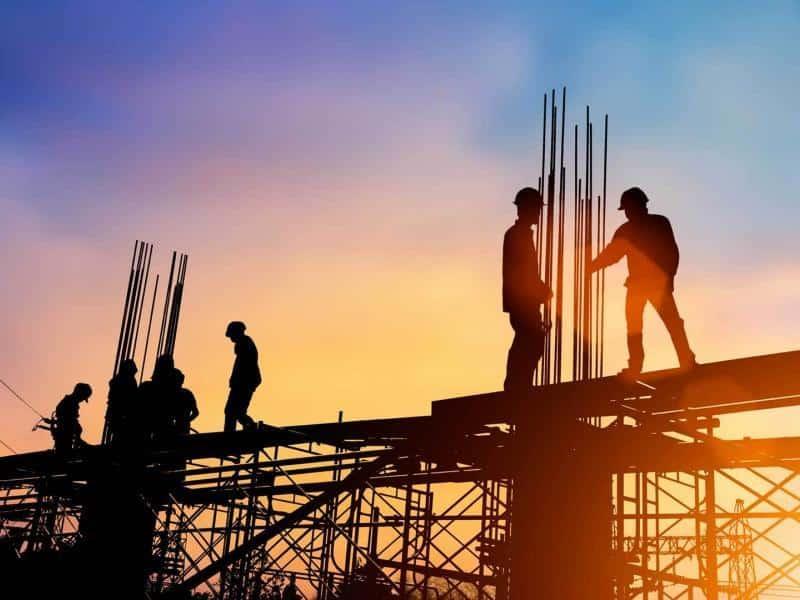 9 ψέματα της κυβέρνησης για εργασιακό – Κατάργηση 8ωρου και μειώσεις μισθών