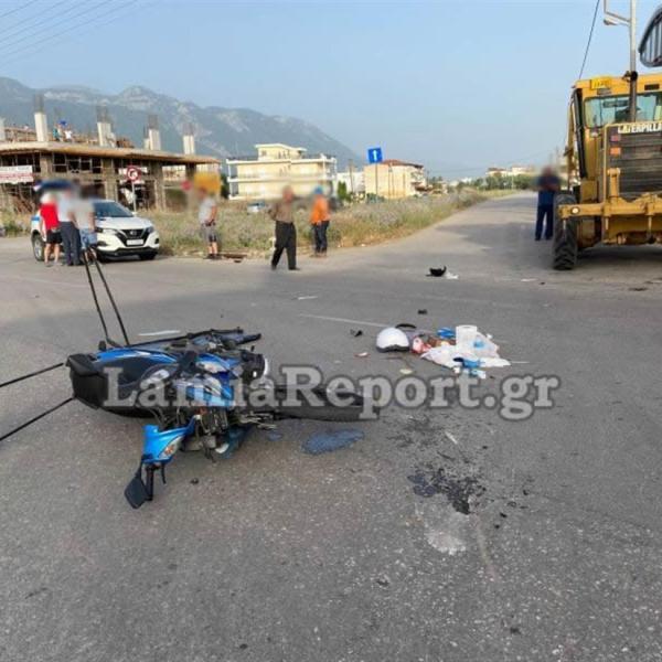 Εργατικό ατύχημα διανομέα / Συγκρούστηκε με γκρέιντερ (εικόνες)