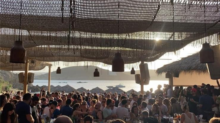 Τέλος του τουρισμού για φέτος: Νέα μέτρα στην Μύκονο, ακολουθεί η Πάρος