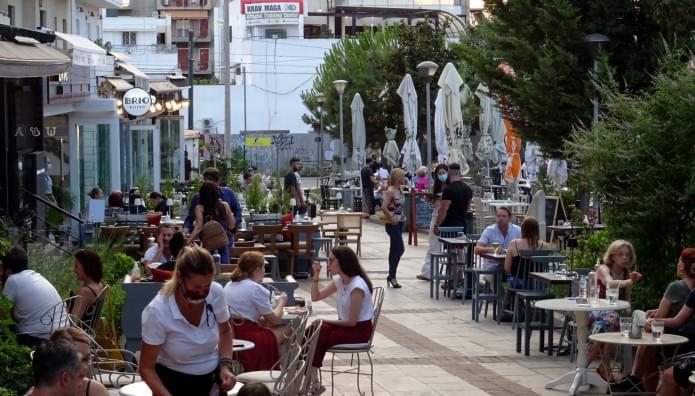 Από 40 ευρώ ως 80 ευρώ τον μήνα κόστος για ανεμβολίαστους εργαζόμενους στον τουρισμό και εστίαση-Αναλυτικά τα μέτρα