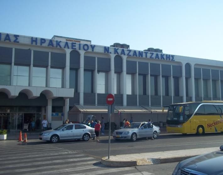 Απολύσεις και κόψιμο ρεπό για να βγει η δουλειά από επιχειρήσεις επίγειας εξυπηρέτησης στο αεροδρόμιο
