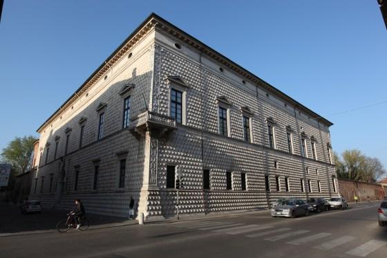 Rönesans Mimari Örneklerinden Palazzo dei Diamanti