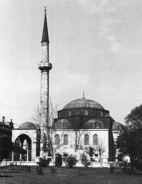 Molla Çelebi Camisi'nin 1970'li yıllardaki görünümü.