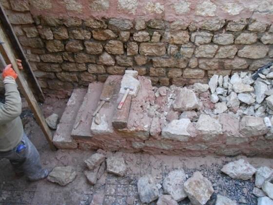 Külhana inen taş merdivenin yapılması