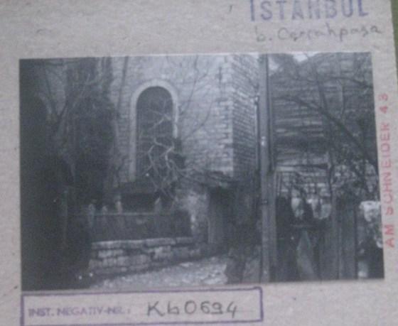 Kasap İlyas camii , harim bölümünde kanatlı  pencereleri vardır ALMAN ARKEOLOJİ FOTOĞRAF ARŞİVİ