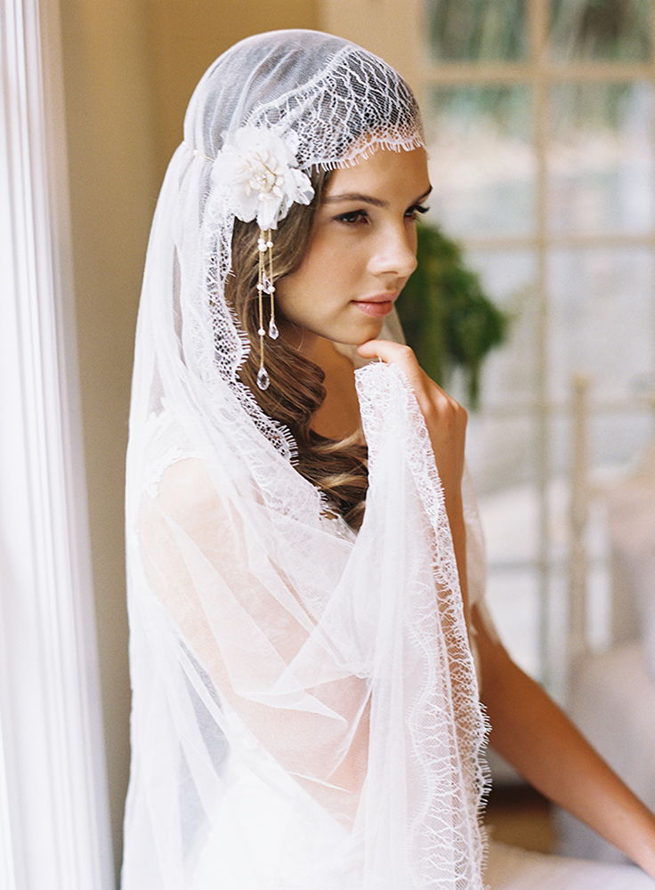 Florence silk lace edge veil with hair clips