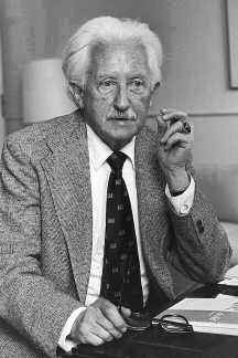 Photo of Erik Erikson