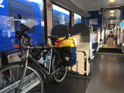 Mijn Santos fiets netjes in de Arriva trein