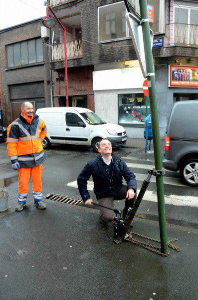 boulevard-janson-redresse-poteau