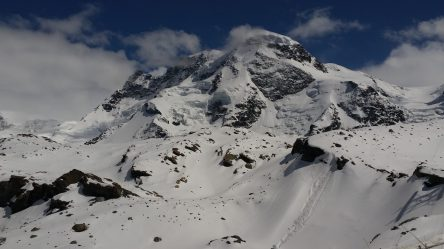 Mountains around Glacier Paradise