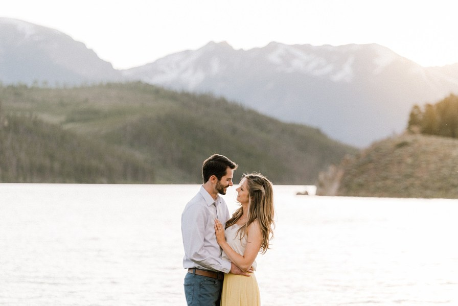 sunset engagement photos at Lake Dillon
