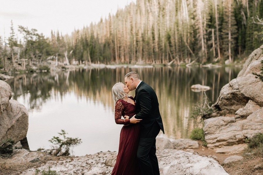 RMNP engagement photos what to wear