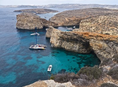 comino-day-trip-coastline-blue-lagoon