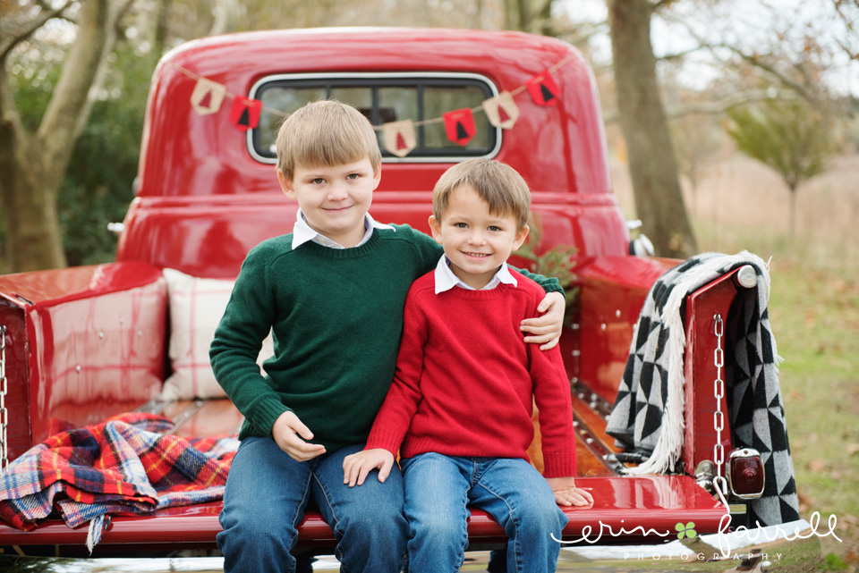 Middletown Delaware Christmas Mini Sessions Antique Red