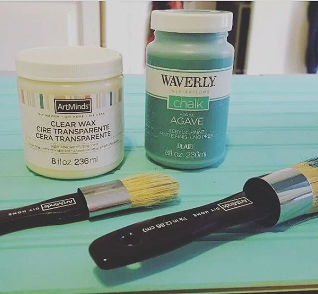 Have you thought about using chalk paint for a crafthellip