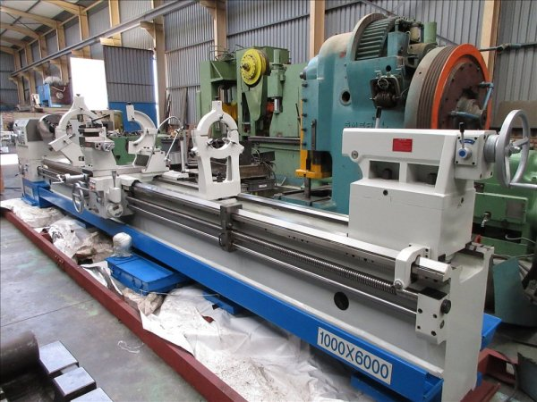 CROWN SUPER DUTY CQ centre lathe.			1000x6000mm