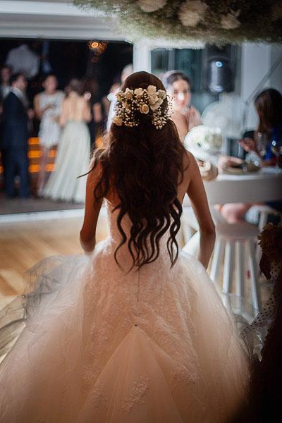 Gelin düğün alanına çıkıyor
