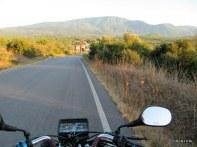 başka bir yerde de sıcak asfaltlı köy yolu görmedim henüz