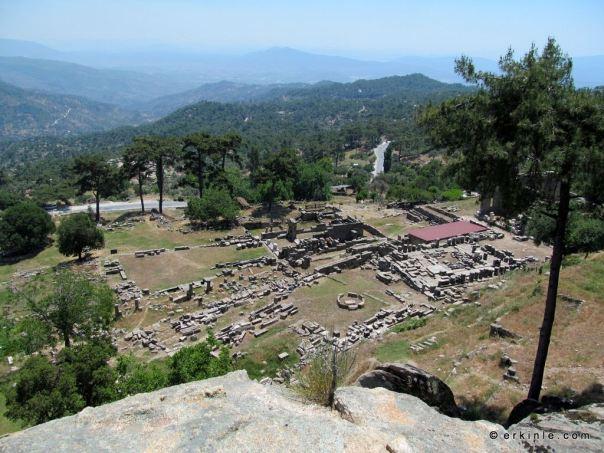 akropolden Labranda