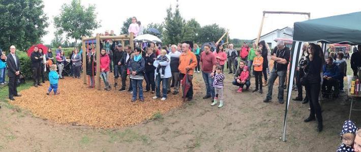 """Die Online-Zeitung """"Pfalz-Express"""" berichtet über unsere Spielplatz – Eröffnungsfeier"""