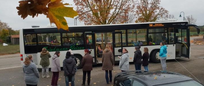 Kommt der Bus oder kommt der Bus nicht? – FAZIT: Die Schulbusse kamen!