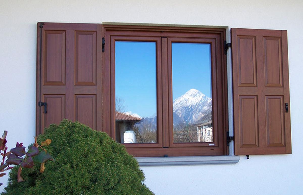 Produzione montaggio vendita serramenti finestre infissi in pvc udine trieste gorizia - Montaggio finestre in pvc ...