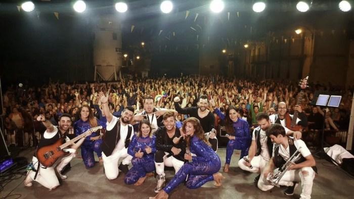 Vulkano Show y la orquesta Pasarela repiten en Santiagos