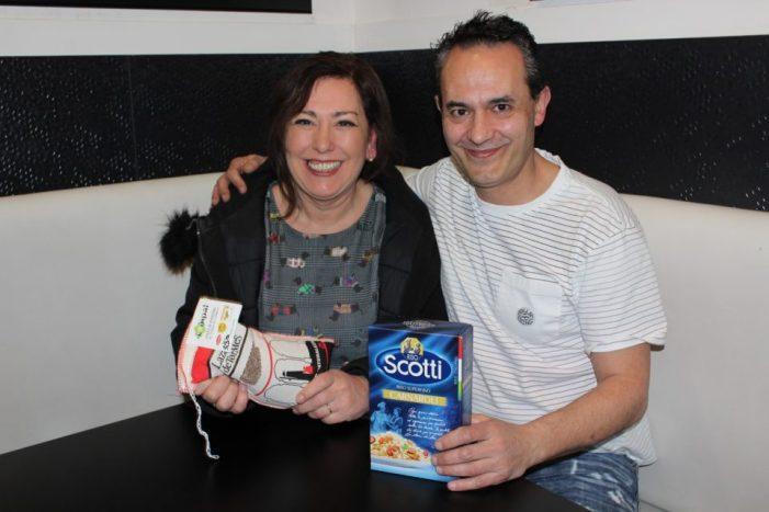 """Recogida de Arroz, paella solidariay venta de rifas para """"Zaporeak"""""""