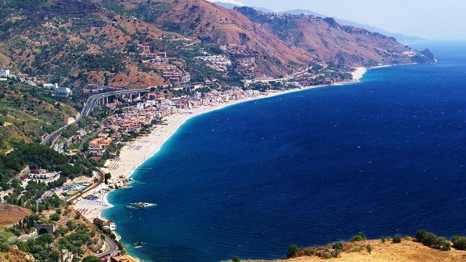Letojanni il mare di taormina eroica fenice - La finestra sul mare taormina ...