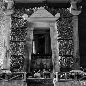 Cimitero delle Fontanelle: tra sacro e profano