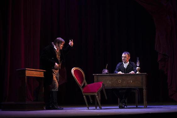"""""""Morte di Danton"""", lo spettacolo di Martone che porta in scena la Rivoluzione francese"""