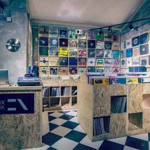 Mordi la lettura e The Songs Project al Riot Laundry Bar